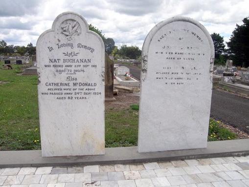 nat_grave